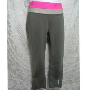 Reebok Activewear Yoga Capri Pants S/M
